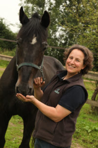 Mrs Elodie Chollet, veterinarian & chief insemination center – IMV AI glove testimonial